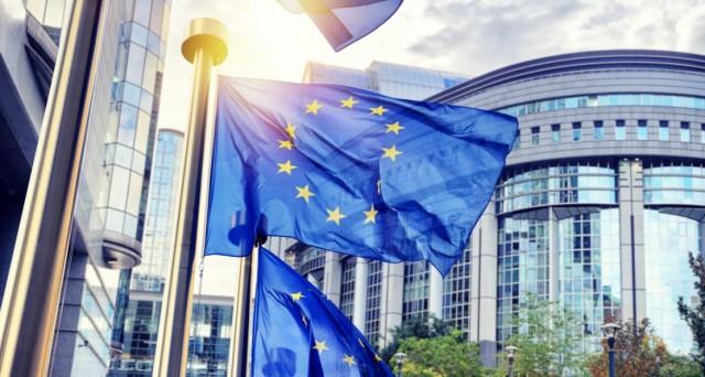 Si assottiglia il differenziale fra titoli di stato italiani e tedeschi. Per la Bce, il tasso d'inflazione rimane troppo basso