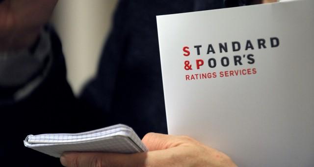 L'agenzia di rating Standard & Poor's ha confermato il giudizio sull'Italia nonostante il peso del debito pubblico. Outlook stabile