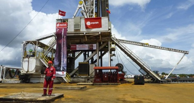 La speculazione sul petrolio spinge i rendimenti dei bond oltre il 27%. Maduro rassicura gli investitori sul pagamento dei debiti e c'è chi consiglia di comprare