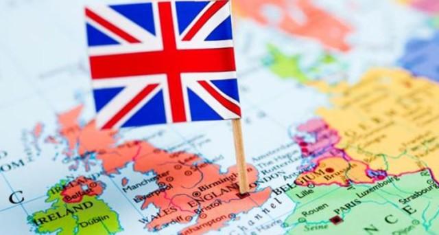 Standard & Poor's e Fitch hanno tagliato il rating della Gran Bretagna dopo il referendum sulla Brexit