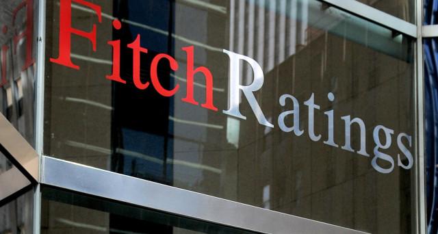 Rating Italia confermato a BBB+ per l'agenzia Fitch, ma peggiora la previsione sul futuro dell'economia. Pesa il debito enorme del Paese