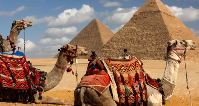 Nuovi bond Egitto sul mercato, in arrivo anche emissioni in euro. Fitch alza outlook assegnando rating