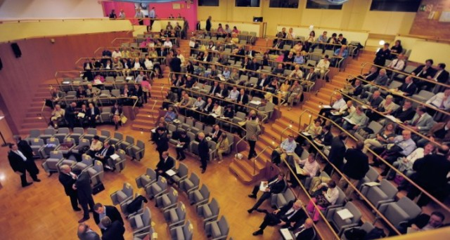 L'assemblea di Banca Mps vara l'aumento di capitale. Bond subordinati in rialzo
