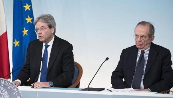 Il governo deve trovare (in fretta) 3,4 miliardi di euro per correggere i conti pubblici. Allo studio una Tobin Tax sui bond, ma non solo