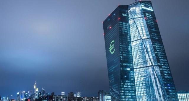 Acquistati finora dalla Bce 2.083 miliardi di bond pubblici e privati nell'ambito delle operazioni di quantitative easing