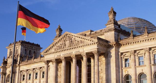La Germania ha venduto 1,21 miliardi di Bund a 30 anni con un rendimento dell'1,27%,