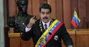 Gli USA voglio mandare in default il Venezuela per impadronirsi del petrolio e coprire i costi astronomici dell'olio di scisto.  Bond in ribasso, Russia e Cina intervengono
