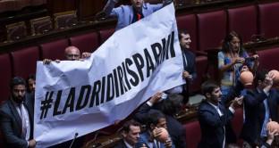 Gli obbligazionisti subordinati di Veneto Banca e Popolare Vicenza potranno rivolgersi anche alla procedura arbitrale per recuperare i soldi investiti