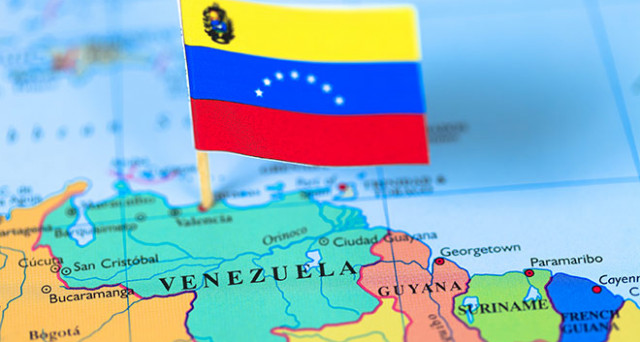 Il Venezuela continua a pagare gli interessi sul debito, ma i soldi non arrivano agli investitori. Per S&P è default, per Caracas è colpa degli USA