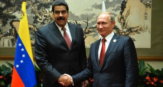 Le sanzioni USA contro il Venezuela spingono sempre più Caracas verso la Russia. Mosca esporta armi e capitali e allunga le mani sui giacimenti