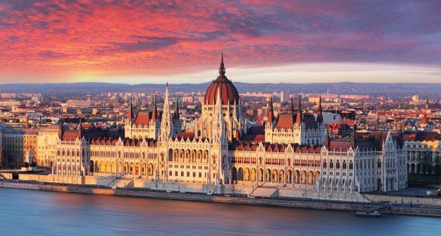 Analisi e commento sui paesi CE3 (Europa dell'Est) a cura del Team mercati emergenti di Raiffeisen Capital Management.