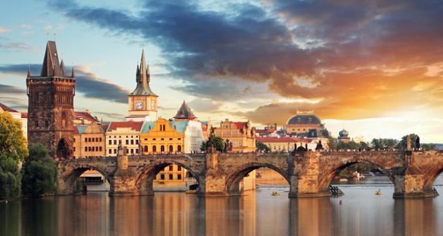Continua la forte crescita economica dell'Est Europa; leggero aumento dell'inflazione, bene i bond.
