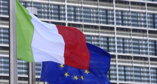 Il braccio di ferro con l'Unione europeea sta distruggendo i risparmi degli italiani e facendo salir eil costo di rifinanziamento pubblico