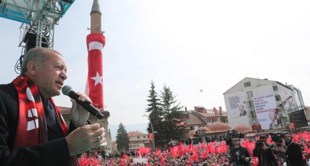 Turchia, il crollo della lira e il boom dei tassi swap overnight