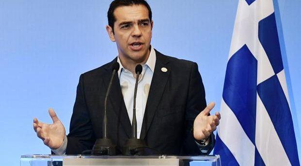 In forse la terza emissione a medio-lungo termine in Grecia, dopo che i rendimenti dei bond sono tornati a salire sulle tensioni con i creditori, che minacciano sanzioni al governo Tsipras.