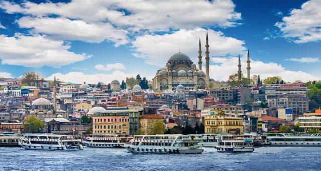 Bond e cambio crollati in Turchia dal fallito golpe di quasi 3 anni fa. E nemmeno la Borsa di Istanbul si è salvata, mentre sono esplosi inflazione e tassi.