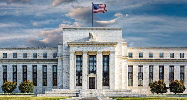 I rendimenti americani potrebbero crollare presto ai livelli di Europa e Giappone se la Federal Reserve a giorni non riuscisse a convincere i mercati sulla sua politica monetaria.