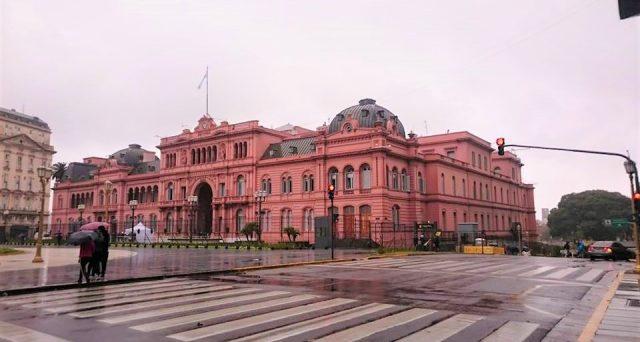 Le obbligazioni sovrane dell'Argentina sono a rischio ristrutturazione dopo la vittoria del peronista Alberto Fernandez alle elezioni presidenziali. Il mercato discrimina tra i vari bond per via delle differenti clausole di azione collettiva.
