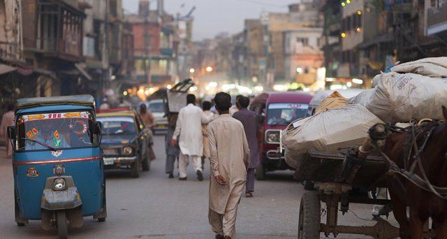 Il mercato obbligazionario pachistano è in rally da mesi sulle migliorate prospettive per l'economia con l'avvio delle riforme varate sotto il monitoraggio del Fondo Monetario Internazionale, sebbene i rischi permangano.