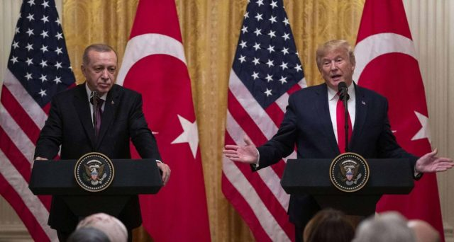 Mercato obbligazionario in Turchia un po' indebolito dal vertice tra il presidente americano Donald Trump e il collega Erdogan. La lira si mantiene stabile, ecco le prospettive a breve per i bond.