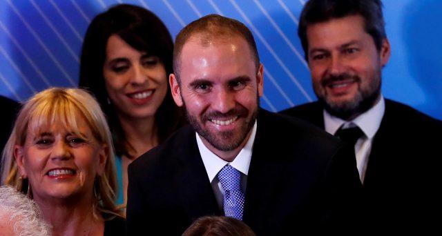 I bond dell'Argentina hanno chiuso in rialzo ieri dopo la nomina del nuovo ministro dell'Economia. Martin Guzman, 37 anni, allontanerebbe il rischio di