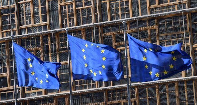 Riforma del MES, in cambio dell'emissione di Eurobond per contenere i rischi a carico dei BTp. La proposta lanciata da Banca d'Italia fa discutere. Servirebbe a salvaguardare i nostri titoli di stato?