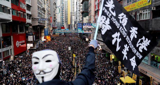 Moody's declassa Hong Kong