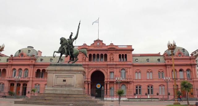 Negoziato fallito tra la provincia di Buenos Aires e gli obbligazionisti, ma il governatore Axel Kicillof evita comunque il default e opta per il pagamento, avvalendosi di un'operazione di