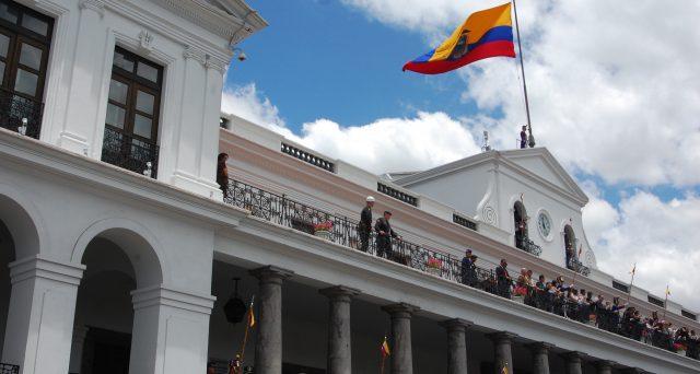 L'emergenza Coronavirus accompagna l'Ecuador verso il default. Nessun pagamento delle cedole in questi giorni e il mercato reagisce con un tonfo dei prezzi e l'esplosione dei rendimenti.