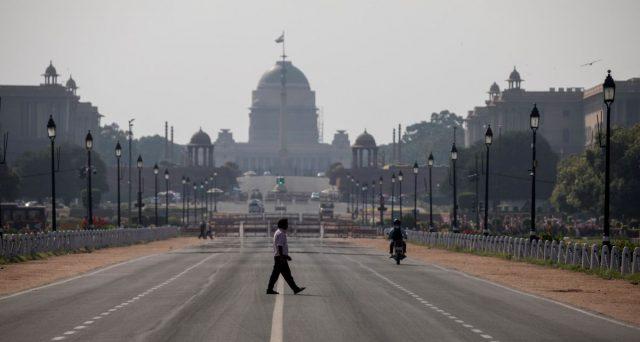 Liquidità quasi azzerata sul mercato obbligazionario indiano, dove stamattina non sono stati registrati ordini di acquisto per oltre mezz'ora. C'è attesa per il taglio dei tassi.