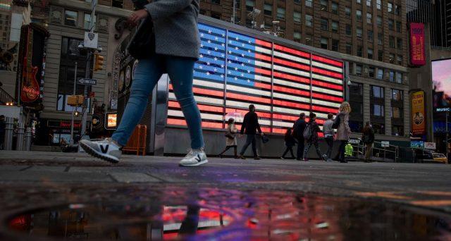 Treasury a 10 anni sotto l'1% per la prima volta. Il mercato obbligazionario mondiale ne risulterà influenzato e i rendimenti americani puntano ormai ad azzerarsi.