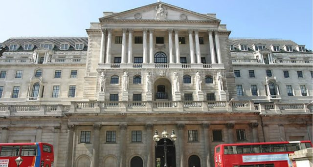 Banca d'Inghilterra in campo per sostenere le spese del governo nella lotta contro la crisi provocata dal Coronavirus. I rendimenti dei Gilt scendono lungo tutta la curva. Occasioni di acquisto?