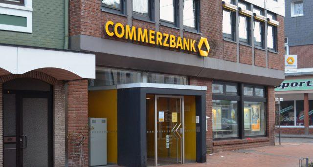 La banca tedesca invita i clienti a vendere titoli di stato italiani, considerando