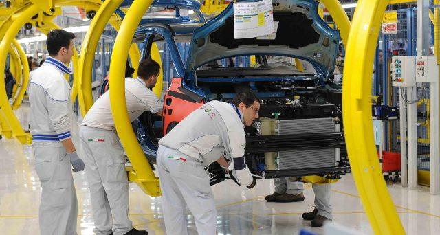 Mercato dell'auto travolto dal Coronavirus. Vendite dimezzate in Europa a marzo, mentre in Italia sono risultate quasi azzerate. Eppure, i titoli obbligazionari di FCA appaiono allettanti.
