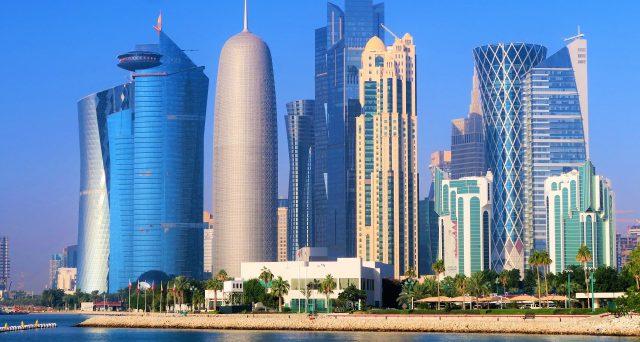 Il Qatar ha battuto tutti gli altri stati del Golfo Persico sul tempo e ha emesso ieri obbligazioni in tre tranche da 5 miliardi di dollari, riscuotendo un forte successo di domanda. Il mercato ha scommesso su una ripresa del petrolio.