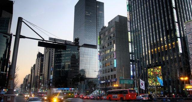Abbuffata di obbligazioni coreane quest'anno per i fondi stranieri, malgrado la fuga dei capitali nel resto dei mercati emergenti asiatici. Ecco perché Seul domina con i suoi bond.