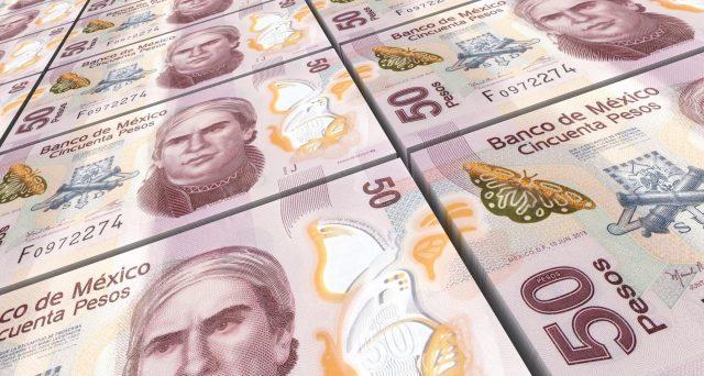 Il cambio messicano ha perso quasi un quarto del suo valore contro il dollaro quest'anno e il debito sovrano emergente è stato declassato da tutte le agenzie di rating. Ma forse è arrivato il momento di comprare.