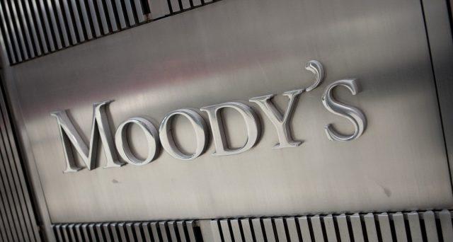 Sarà declassamento del rating sovrano italiano? Stasera, due agenzie di valutazione si esprimeranno sul nostro debito pubblico, ma quello che più spaventa è di Moody's.