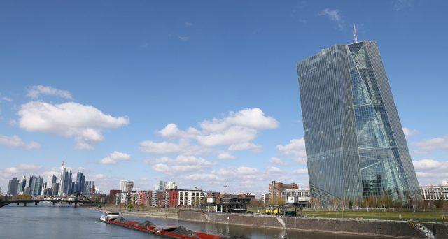 Dichiarazioni favorevoli ai titoli di stato e corporate dell'Eurozona arrivate nelle ultime ore dalla BCE, così come dalla Germania.