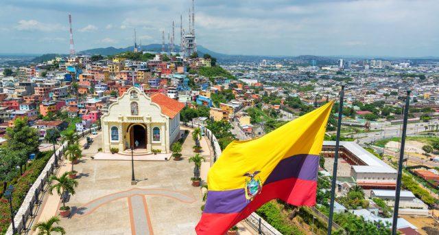 Accordo per rinegoziare 17,4 miliardi di dollari di debito sovrano ecuadoriano vicino. I principali creditori hanno accettato i termini offerti dal governo, sebbene altri abbiano lamentato condizioni insoddisfacenti.