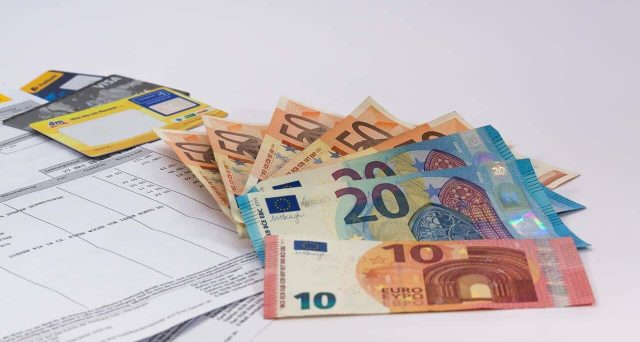 I bond dell'Eurozona stanno apprezzandosi sui mercati, sostenuti dal rialzo dell'euro. E le cattive notizie sul fronte macro sembrano sostenere gli acquisti.