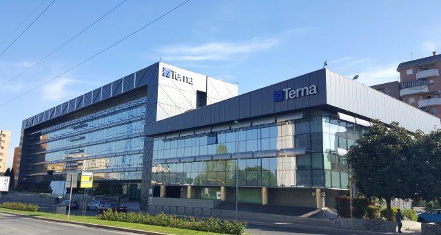La società elettrica ha emesso ieri obbligazioni verdi per la terza volta nella sua storia, riuscendo a segnare due record per il mercato italiano.