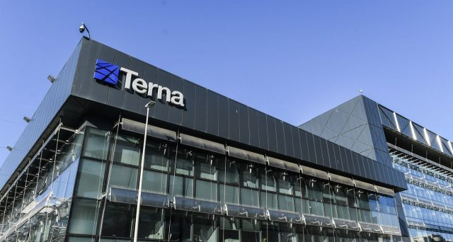 La società che gestisce la rete elettrica nazionale ha emesso 500 milioni di euro a 10 anni, riscontrando una forte domanda sul mercato.