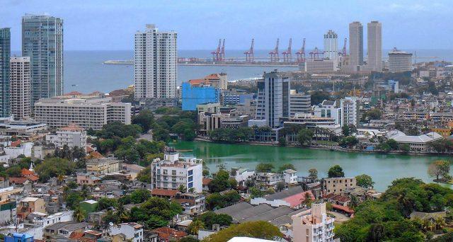 Il declassamento di Moody's del rating sovrano dello Sri Lanka ha colpito i prezzi dei bond, già ampiamente in territorio
