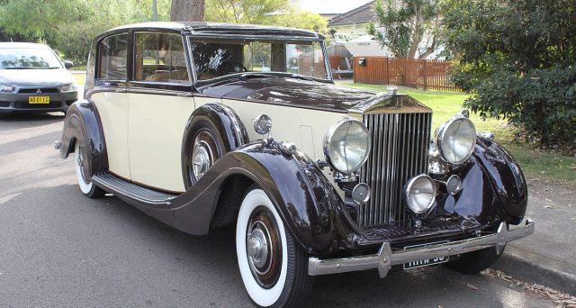 Bond Rolls-Royce emessi con successo, malgrado il rating