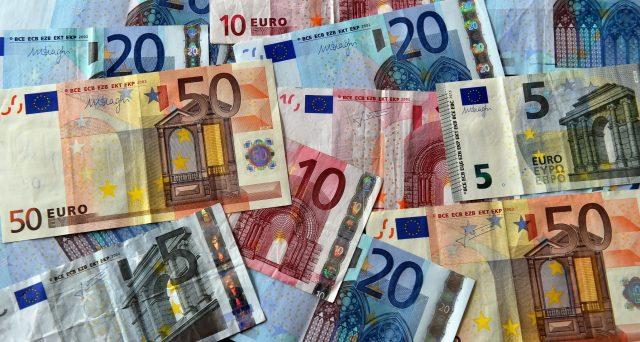I rendimenti dei titoli di stato italiani sono risaliti ieri