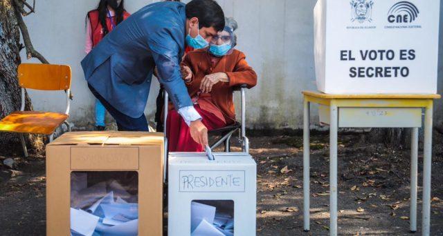 Ecuador al ballottaggio