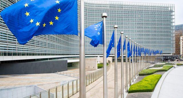 Gli Eurobond non sono affatto vicini
