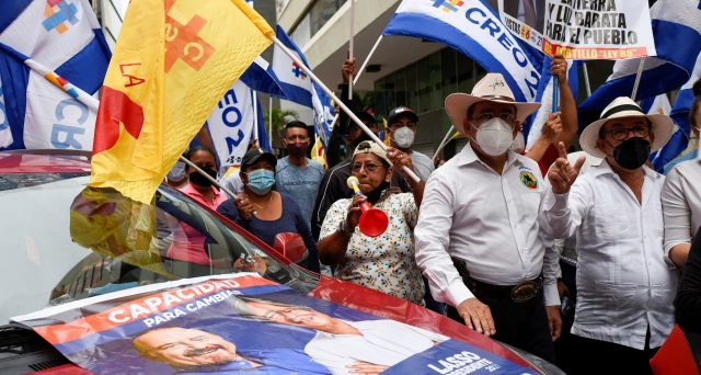 Bond Ecuador, recupero ai massimi da mesi