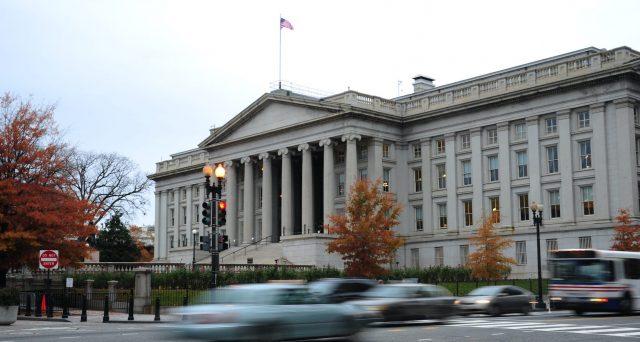 Rendimenti americani ai minimi da febbraio